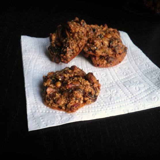 עוגיות בריאות עם פיסטוקים ותמרים